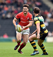 Duncan Taylor of Saracens in possession. Aviva Premiership match, between Northampton Saints and Saracens on April 16, 2017 at Stadium mk in Milton Keynes, England. Photo by: Patrick Khachfe / JMP