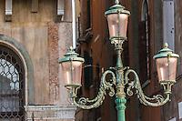 Italie, Vénétie, Venise:   Lampadère  // Italy, Veneto, Venice: Street lamp