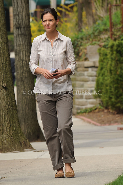 WWW.ACEPIXS.COM . . . . . ....April 6 2010, New York City....Actress Katie Holmes walks around on the Queens set of the new movie 'Son of no one' on April 6 2010 in New York City....Please byline: KRISTIN CALLAHAN - ACEPIXS.COM.. . . . . . ..Ace Pictures, Inc:  ..tel: (212) 243 8787 or (646) 769 0430..e-mail: info@acepixs.com..web: http://www.acepixs.com