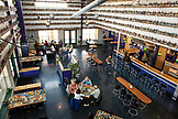 USA, Oregon, Ashland, interior of the Caldera Brewery and Restaurant at lunchtime