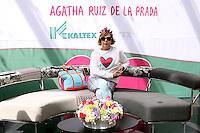"""MEXICO, D.F. MEXICO – FEBRERO 06: La diseñadora española Agatha Ruiz de la Prada, visito México para lanzar con Grupo Kaltex su primera colección """"Home"""". (Foto: Francisco Morales/DAMMPhoto/)"""