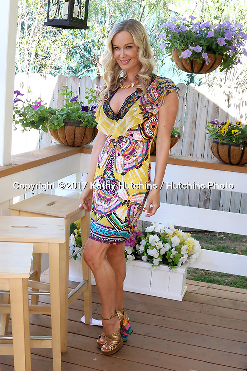 """LOS ANGELES - APR 14:  Jennifer Gareis at the """"Home and Family"""" Celebrates """"Bold and Beautiful's"""" 30 Years at Universal Studios Back Lot on April 14, 2017 in Los Angeles, CA"""