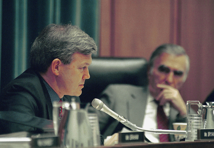3-24-99.HOUSE JUDICIARY--Ed Bryant, R-Tenn., makes his opening statement during the House Judiciary subcommittee markup. Chairman George W. Gekas, R-Pa., listens in the background. .CONGRESSIONAL QUARTERLY PHOTO BY DOUGLAS GRAHAM
