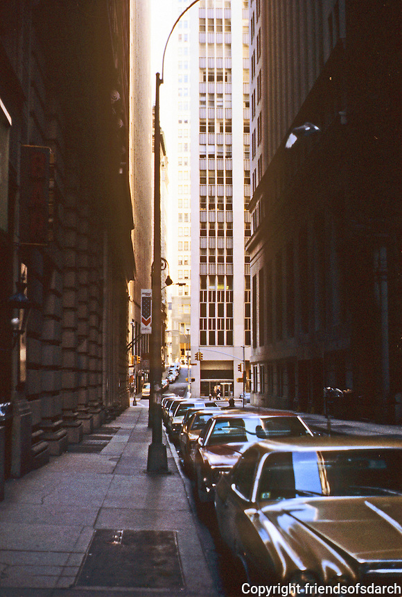 New York: Pine St., Financial District.