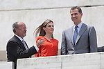 King Felipe VI of Spain (R), Queen Letizia of Spain and Valladolid´s mayor Francisco Javier Leon de la Riva attend the 2013 'Innovation and design' awards ceremony at Museo de la Ciencia in Valladolid, Spain. July 01, 2014. (ALTERPHOTOS/Victor Blanco)
