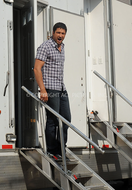WWW.ACEPIXS.COM . . . . . ....August 24 2009, New York City....Actor Gerald Butler on the Queens set of the new movie 'Bounty' on August 24 2009 in New York City....Please byline: KRISTIN CALLAHAN - ACEPIXS.COM.. . . . . . ..Ace Pictures, Inc:  ..tel: (212) 243 8787 or (646) 769 0430..e-mail: info@acepixs.com..web: http://www.acepixs.com