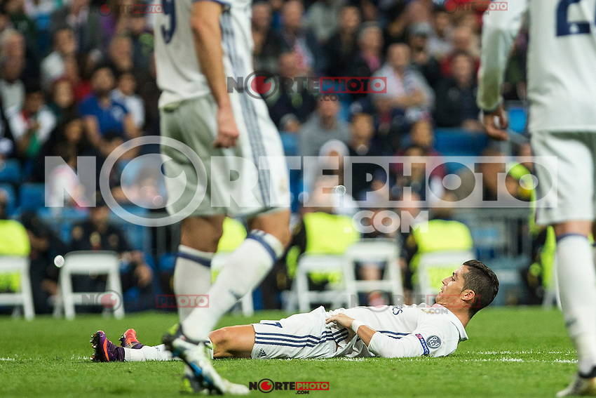 Real Madrid's Cristiano Ronaldo during the match of UEFA Champions League group stage between Real Madrid and Legia de Varsovia at Santiago Bernabeu Stadium in Madrid, Spain. October 18, 2016. (ALTERPHOTOS/Rodrigo Jimenez) /NORTEPHOTO.COM
