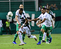 PALMIRA - COLOMBIA, 26-05-2019: Juan Camilo Angulo del Cali disputa el balón con Sebastian Gomez de Nacional durante partido entre Deportivo Cali y Atlético Nacional por la fecha 4, cuadrangulares semifinales, de la Liga Águila I 2019 jugado en el estadio Deportivo Cali de la ciudad de Palmira. / Juan Camilo Angulo of Cali vies for the ball with Sebastian Gomez of Nacional during match between Deportivo Cali and Atletico Nacional for the date 4, semifinal quadrangulars, as part Aguila League I 2019 played at Deportivo Cali stadium in Palmira city.  Photo: VizzorImage / Nelson Rios / Cont