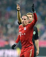 FUSSBALL   1. BUNDESLIGA  SAISON 2012/2013   17. Spieltag FC Bayern Muenchen - Borussia Moenchengladbach    14.12.2012 Franck Ribery (FC Bayern Muenchen) dahinter Schiedsrichter Tobias Welz