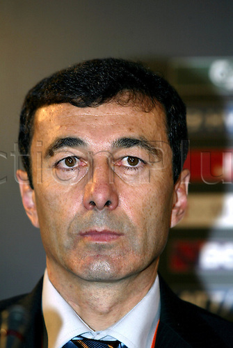 30 November, 2003: Portrait of Bulgaria manager PLAMEN MARKOV at the UEFA Euro 2004 Portugal Draw in Pavilhao Atlantico, Lisbon, Portugal Photo: Glyn Kirk/Action Plus...Soccer Football 031130 managers coaches portraits coach