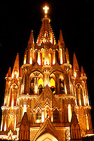 Night shot of the Parroquia de San Miguel Arcangel, Parish church in San Miguel de Allende, Mexico. San Miguel de Allende is a UNESCO World Heritage Site....