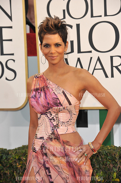 Halle Berry at the 70th Golden Globe Awards at the Beverly Hilton Hotel..January 13, 2013  Beverly Hills, CA.Picture: Paul Smith / Featureflash