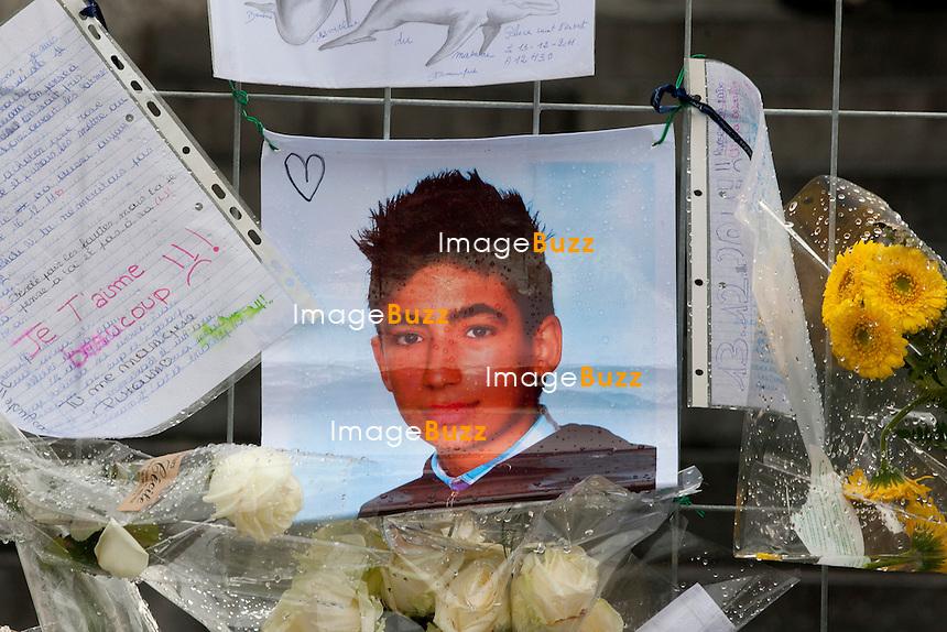 """Trois jours après la fusillade de la place Saint Lambert à Liège, en Belgique, une cérémonie religieuse  était organisée ce vendredi 16 décembre, au centre Islamique de Bressoux, en hommage à l' adolescent tunisien de 15 ans, Mehdi Belhadj, alias Nathan, tué dans la fusillade. Il a été ensuite enterré au cimetière de Jupille, où Ils étaient des centaines de membres de la famille, de proches, d'amis ou simplement d'anonymes à s'être regroupés pour rendre un dernier hommage..16/12/2011.Pic ; la photo de  Mehdi """" Nathan """" Belhadj ..............."""