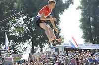 FIERLJEPPEN: GRIJPSKERK: 27-08-2016, Nederlands Kampioenschap Fierljeppen/Polsstokverspringen, Ricardo Faaij wint met 18.72 meter, ©foto Martin de Jong