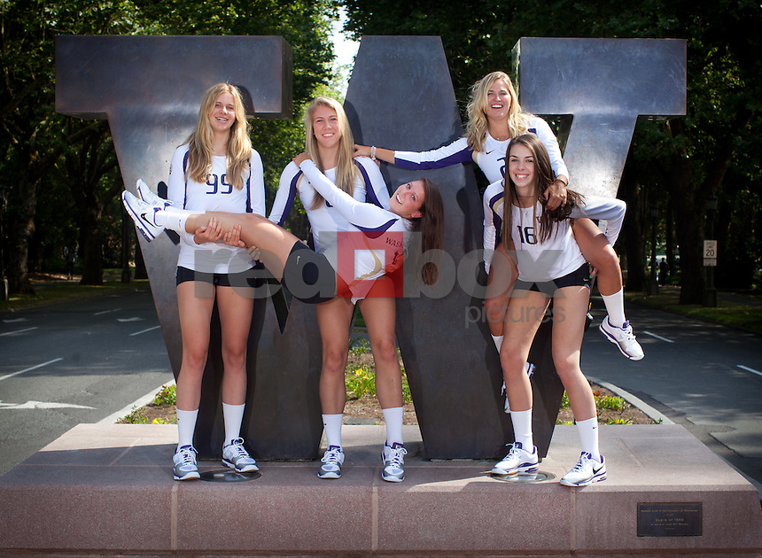 Kim Condie, Kaleigh Nelson, Summer Ross , Krista Vansant. Anna Cesari UW- Volleyball (Photo by Rob Sumner / Red Box Pictures)