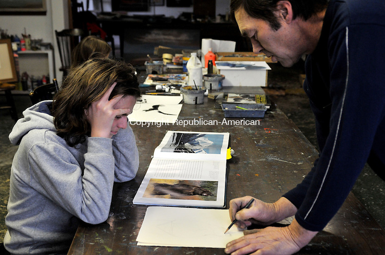 PLYMOUTH, CT-10 Nov 10-111010AJ01- Raymond S. White teaches Noah Banjin, 14, of Torrington how to draw a bear at Artworks Art Center in Plymouth, Monday afternoon.  Alec Johnson Republican-American