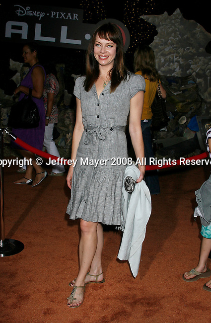 Actress Melinda Clark arrives at the Disney-Pixar's WALL-E Premiere on June 21, 2008 at Greek Theatre in Los Angeles, California.