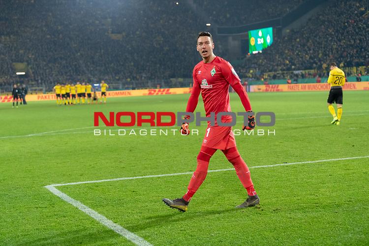 05.02.2019, Signal Iduna Park, Dortmund, GER, DFB-Pokal, Achtelfinale, Borussia Dortmund vs Werder Bremen<br /> <br /> DFB REGULATIONS PROHIBIT ANY USE OF PHOTOGRAPHS AS IMAGE SEQUENCES AND/OR QUASI-VIDEO.<br /> <br /> im Bild / picture shows<br /> <br /> Jubel Jiri Pavlenka (Werder Bremen #01)<br /> <br /> <br /> Foto © nordphoto / Ewert