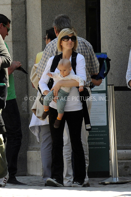 WWW.ACEPIXS.COM . . . . .  ..... . . . . US SALES ONLY . . . . .....***EXCLUSIVE - PLEASE PHONE FOR RATES***....Actor Ethan Hawke, his wife Ryan Shawhughes and their daughter Clementine Jane spent the day walking around Madrid. They visited a park, walked around the streets and had lunch at a vegetarian restaurant. Hawke is in Madrid to perform in a play by Sam Mendes. April 21 2009 in Madrid, Spain.....Please byline: JO-ACE PICTURES... . . . .  ....Ace Pictures, Inc:  ..tel: (212) 243 8787 or (646) 769 0430..e-mail: info@acepixs.com..web: http://www.acepixs.com
