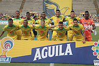 NEIVA - COLOMBIA, 28-07-2019: Jugadores de Huila posan para una foto previo al encuentro por la fecha 3 de la Liga Águila II 2019 entre Atlético Huila y Deportivo Cali jugado en el estadio Guillermo Plazas Alcid de la ciudad de Neiva. / Players of Huila pose to a photo prior the match for the date 3 of the Liga Aguila II 2019 between Atletico Huila and Deportivo Cali played at the Guillermo Plazas Alcid stadium of Neiva city. VizzorImage / Sergio Reyes / Cont