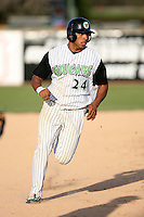 April 28, 2007:  Jermaine Mitchell of the Kane County Cougars at Elfstrom Stadium in Geneva, IL  Photo by:  Chris Proctor/Four Seam Images