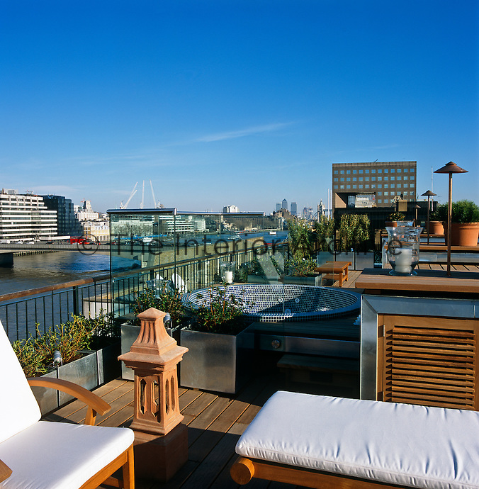 The roof terrace has stunning views over the Thames and incorporates various Japanese elements into its design including a Jacuzzi