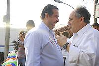 ATENÇAO EDITOR  FOTO EMBARGADA PARA VEICULOS INTERNACIONAIS - NITEROI FEZ MARCHA CONTRA O MENSALAO. NITEROI,RJ 25 DE OUTUBRO 2012. Nesta tarde o centro de Niteroi parou com a marcha de simpatizantes do partido do PDT do candidato Felipe Peixoto, contra o mensalao.  A marcha saiu da Camara de Vereadores até a estaçao das Barcas Arariboia se juntando ao comicio do candidato do PDT.<br /> Carlos Luppi presidente nacional do PDT e o senador Cristovao Buarque do PDT.<br /> FOTO RONALDO BRANDAO/BRAZIL PHOTO PRESS
