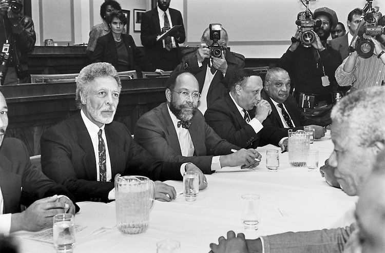 The Congressional Black Caucus meets South African President Nelson Mandela.  Rep. Kweisi Mfume, D-Md., Rep. Ron Dellums, D-California, Former Mayor Walter Washington, Former Mayor Ken Blackwell and Charles Hayes, D-Ill. are all present at the meeting. September 12, 1991. (Photo by Laura Patterson/CQ Roll Call)