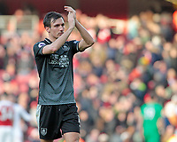 Burnley's Jack Cork applauds the fans at the final whistle <br /> <br /> Photographer David Shipman/CameraSport<br /> <br /> The Premier League - Arsenal v Burnley - Saturday 22nd December 2018 - The Emirates - London<br /> <br /> World Copyright © 2018 CameraSport. All rights reserved. 43 Linden Ave. Countesthorpe. Leicester. England. LE8 5PG - Tel: +44 (0) 116 277 4147 - admin@camerasport.com - www.camerasport.com