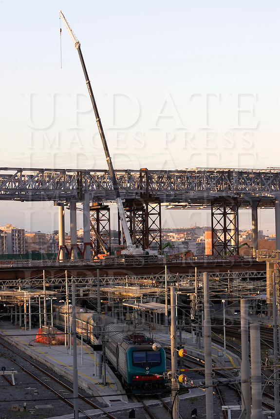 Una veduta del cantiere per il rinnovamento della Stazione Tiburtina, Roma, 28 dicembre 2010..A view of the yard for the renovation of the Tiburtina railway station in Rome, 28 december 2010..© UPDATE IMAGES PRESS/UPDATE IMAGES PRESS/Riccardo De Luca
