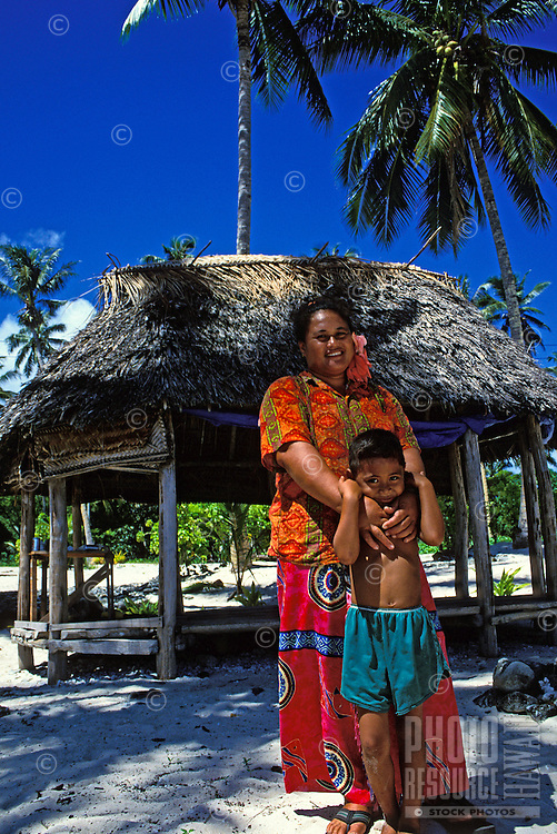 Family in northwestern Savaii, Western Samoa