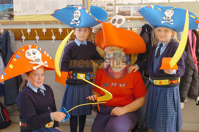 Marymount Students Stephnie Smith, Alana Mohan and Chanise Walker  with teacher Mrs Kinealy getting ready for the Spook parade sponsored by Drogheda Concentrates..Photo Fran Caffrey Newsfile.ie..This Picture has been sent to you by Newsfile Ltd..The Studio,.Millmount Abbey,.Drogheda,.Co. Meath,.Ireland..Tel: +353(0)41-9871240.Fax: +353(0)41-9871260.ISDN: +353(0)41-9871010.www.newsfile.ie..general email: pictures@newsfile.ie