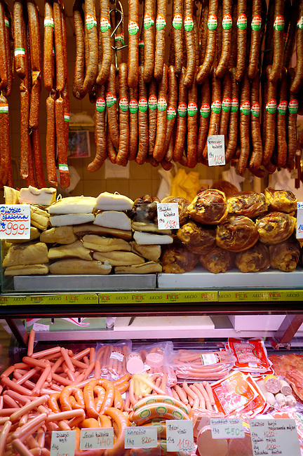 Meat stall with Salamis and sausages ; K?zponti Vásárcsarnok. Central Budapest Market - Hungary