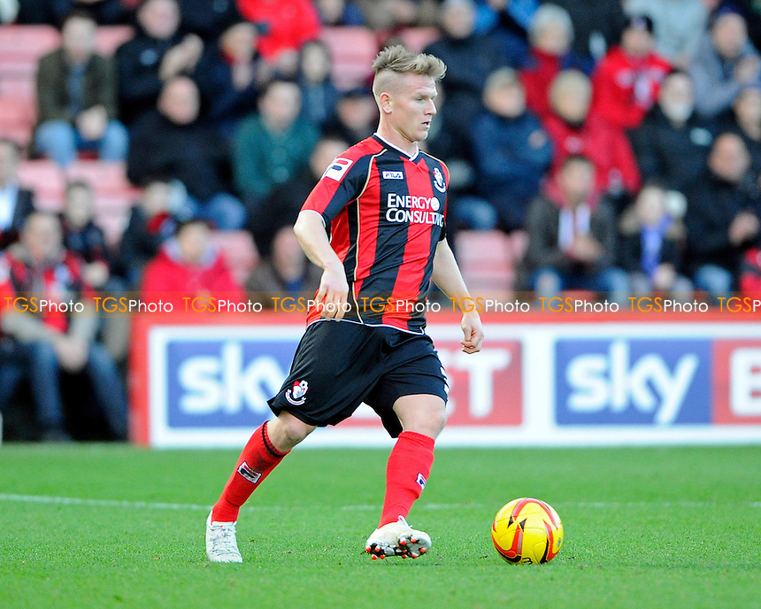Matt Ritchie of AFC Bournemouth - AFC Bournemouth vs Yeovil Town - Sky Bet Championship Football at the Goldsands Stadium, Bournemouth, Dorset - 26/12/13 - MANDATORY CREDIT: Denis Murphy/TGSPHOTO - Self billing applies where appropriate - 0845 094 6026 - contact@tgsphoto.co.uk - NO UNPAID USE