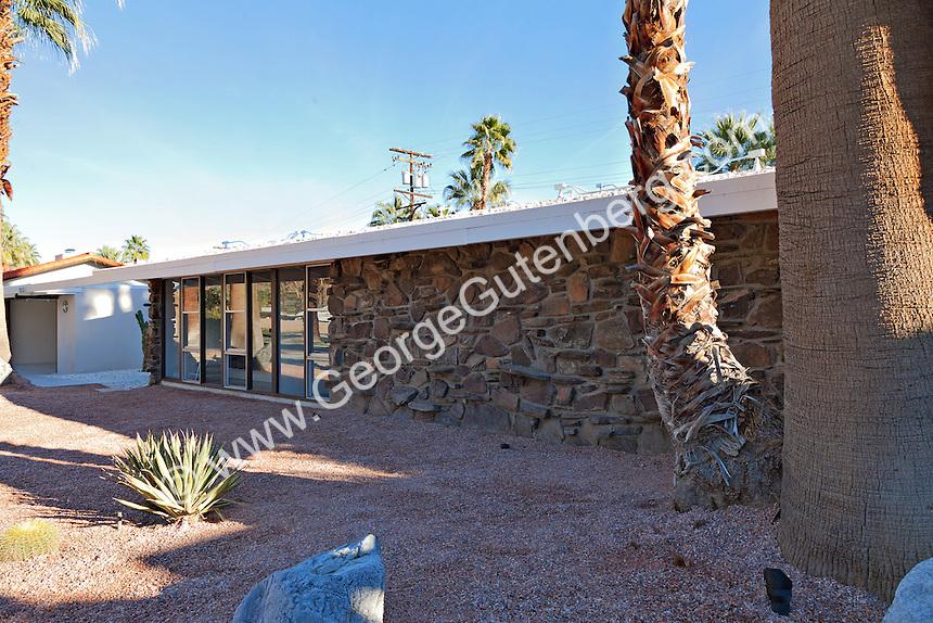 1957 William Krisel mid-century home in Palm Springs, California
