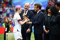 Emmanuel Macron ( President Francais ) et Megan Rapinoe (USA)<br /> Lyon 07/07/2019<br /> Football Womens World Cup Final <br /> United States - Netherlands <br /> Photo  Gwendoline LeGoff / Panoramic/Insidefoto <br /> ITALY ONLY