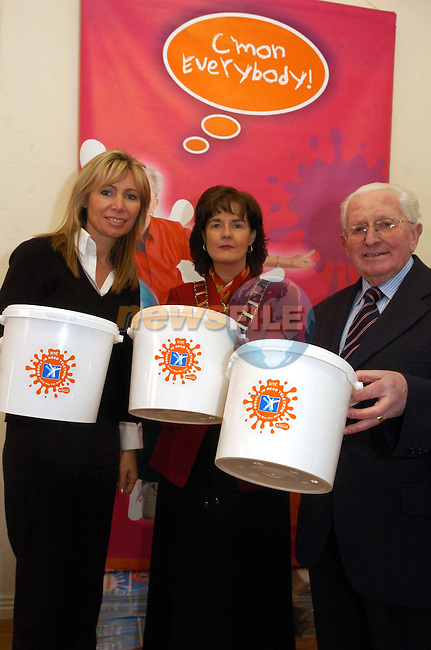 Marian Nolan Regional cordinator, Mayor Marie O'Brien Campbell and Dermot Kierans at the opening of the People in Need centre.Picture Fran Caffrey Newsfile