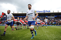 Elliott Stooke and the rest of the Bath Rugby team run onto the field. Aviva Premiership match, between Saracens and Bath Rugby on April 15, 2018 at Allianz Park in London, England. Photo by: Patrick Khachfe / Onside Images