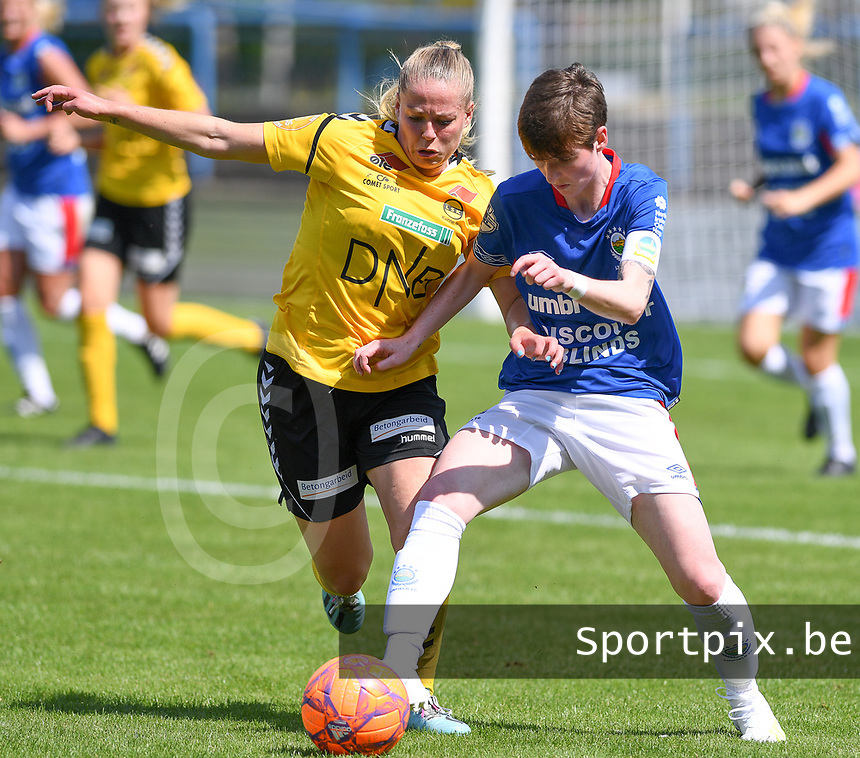 20190807 - DENDERLEEUW, BELGIUM : LSK's Therese Asland (left) pictured in a fight for the ball with Linfield's Kirsty McGuinness (right) during the female soccer game between the Norwegian LSK Kvinner Fotballklubb Ladies and the Northern Irish Linfield ladies FC , the first game for both teams in the Uefa Womens Champions League Qualifying round in group 8 , Wednesday 7 th August 2019 at the Van Roy Stadium in Denderleeuw  , Belgium  .  PHOTO SPORTPIX.BE for NTB  | DAVID CATRY