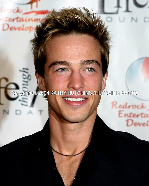 "©2004 KATHY HUTCHINS /HUTCHINS PHOTO.RED PARTY BENEFITING THE ""LIFE THROUGH ART"" FOUNDATION.LOS ANGELES, CA.DECEMBER 4, 2004..RYAN CARNES"