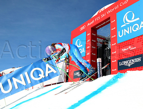 13.01.2013. St Anton, Austria.  Ski Alpine FIS World Cup Super G for women Picture shows Tina Maze SLO at the Start building