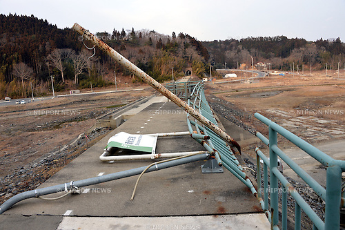 March 8, 2013, Minami-Sanriku, Japan - The Shimizuhama Station of local Kesennuma Line is nothing but ruins of concrete and steel structure in Minami-Sanriku township, Miyagi Prefecture, on March 8. The township along the Pacific coast is one of the worst hit areas when the Magnitude 9.0 earthquake and ensuing tsunami struck the nation's northeast region, leaving more than 15,000 people dead and ravaging wide swaths of coastal towns and villages two years ago on March 11.  (Photo by Natsuki Sakai/AFLO)