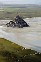 France, Manche (50), Baie du Mont-Saint-Michel, classée Patrimoine Mondial de l'UNESCO, : France, Manche (50), Mont Saint Michel Vue aérienne   // France, Manche, Bay of Mont Saint Michel, listed as World Heritage by UNESCO, France, Manche, Mont Saint Michel, aerial view)