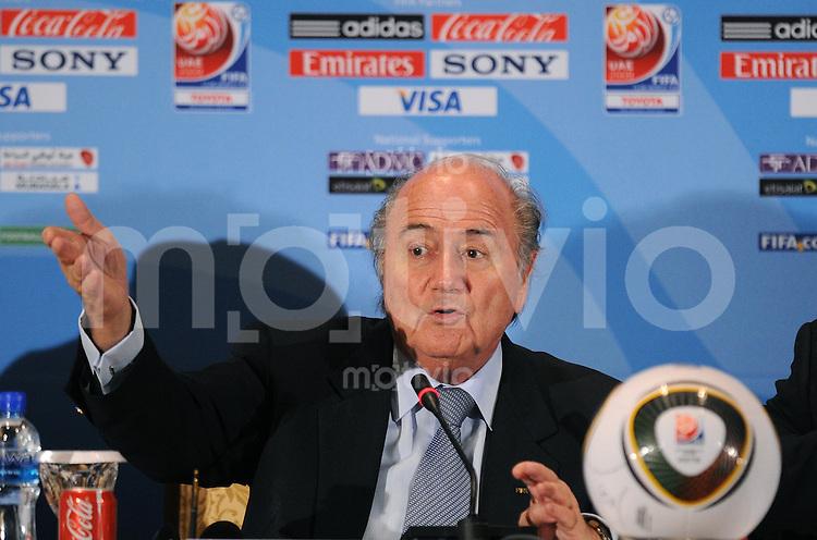 Fussball International  FIFA Club WM  UAE  2009     17.12.2009 PK FIFA Praesident Joseph S. Blatter (SUI)
