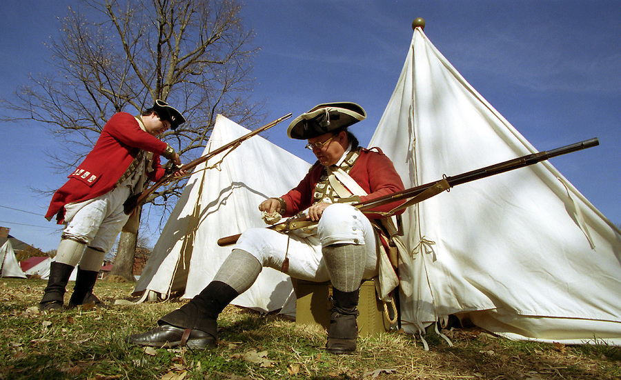 Reenactors of revolutionary war stage in Charlottesville, Va. Credit Image: © Andrew Shurtleff