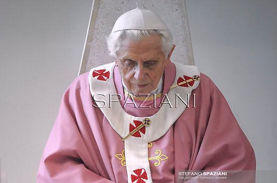 Pope Benedict XVI celebrates mass  during his visit to the San Patrizio al Colle Prenestino parish on the outskirts of Rome.December 16, 2012.