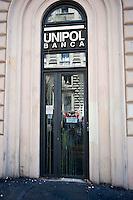 Roma 22 Giugno 2012.Manifestazione  dei sindacati di base contro le politiche economiche e sociali del Governo Monti..La Unipol Banca colpita dal lancio delle uova dei manifestanti
