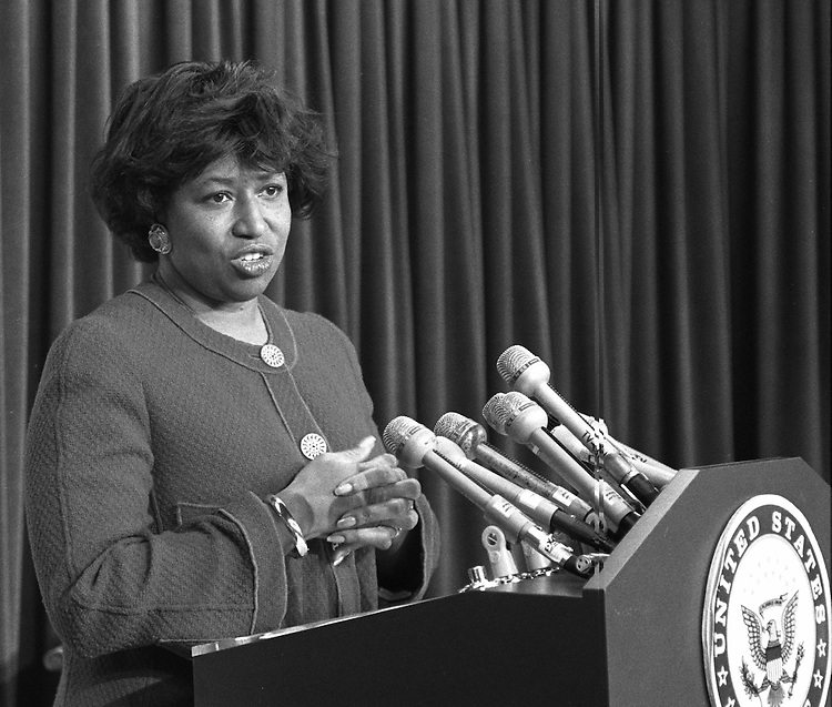 1/6/93.Sen. Carol Moseley-Braun, D-Ill., during a news conference..CONGRESSIONAL QUARTERLY PHOTO BY MICHAEL JENKINS