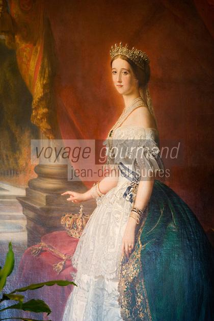 Europe/France/Aquitaine/64/Pyrénées-Atlantiques/Biarritz :l' Hotel du Palais -  Salle du Restaurant : La Villa Eugénie et la Rotonde - détail du portrait de l'impératrice Eugénie