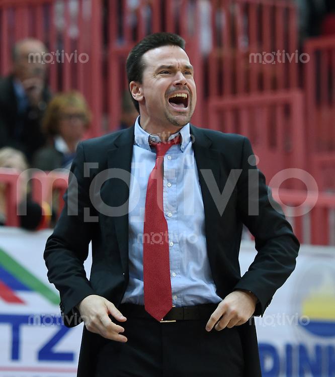 BEKO Basketball 1. Bundesliga 2014/2015  6. Spieltag Walter Tigers Tuebingen - Loewen Braunschweig       24.10.2014 Trainer Raoul Korner ( Braunschweig )